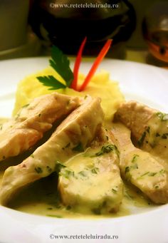 Chicken breast with tarragon sauce and mashed potatoes Jacque Pepin, Romanian Food, Asparagus, Mashed Potatoes, Shrimp, Food And Drink, Chicken, Vegetables, Sweet