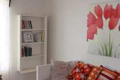 Diy back to school : DIY Picture frame converted into hanging bookshelf