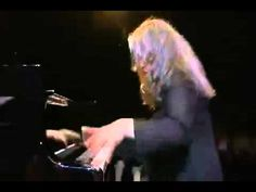Prokofiev piano concerto no.3 --- Watch this and see why Martha Argerich is the greatest pianist in the world --- conductor: Mikhail Pletnev ---lawrencehei le 4 déc. 2010
