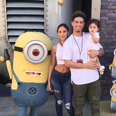 A Minion with the Ace Family Cute Family, Baby Family, Family Goals, The Ace Family Youtube, Ace Family Wallpaper, Catherine Paiz, Family Outfits, Baby Pictures, Kids And Parenting