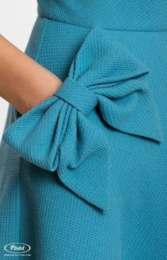 Slim-fit wool dress with round neck and short tucked sleeves Fashion Sewing, Diy Fashion, Fashion Dresses, Origami Fashion, Trendy Fashion, Sewing Clothes, Diy Clothes, Clothes For Women, Dress Sewing