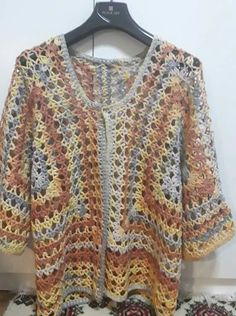 Hand Knitting Women's Sweaters Diy Crochet And Knitting, Crochet Coat, Form Crochet, Unique Crochet, Crochet Cardigan, Crochet Clothes, Hand Knitting, Crochet Baby Jacket, Pulls