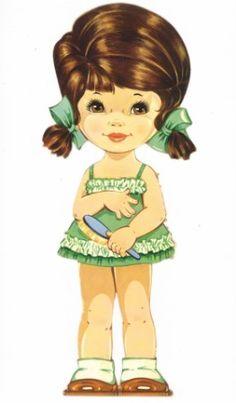 Weitere Kleider für die französischen Puppen aus den 1960ern. Diese Puppen waren bis in die 1980er in den Geschäften in Deutschland erhältlich. ditions Lito-Paris 22504 (24,5 cm hoch) aus den 1960ern.  Bei der größeren Ausgabe ist eine Puppe etwa 34 cm hoc