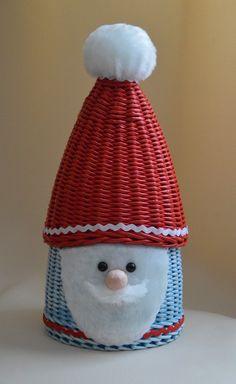 Марина Косых Straw Weaving, Paper Weaving, Basket Weaving, Crochet Doily Diagram, Crochet Doilies, Crochet Hats, Christmas Decorations, Christmas Ornaments, Holiday Decor
