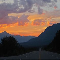 Land of beautiful sunsets  Photo by @discovermaligne  #MyJasper