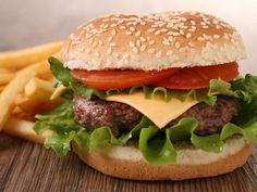 Cheeseburger amélioré - Recette de cuisine Marmiton : une recette