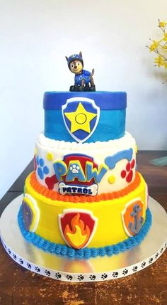 10 Perfect Paw Patrol Birthday Cakes - Pretty My Party #birthdaycakes