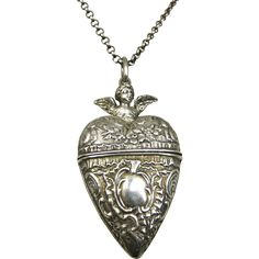 Rare Antique French Repoussé Cherub Sterling Silver Heart Locket and Chain… Rustic Jewelry, Antique Jewelry, Silver Jewelry, Vintage Jewelry, Fine Jewelry, Jewlery, Silver Lockets, Heart Locket, Engraved Rings