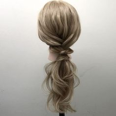 ゴム1つです 慣れると本当にすぐできますよ! 動画は、全て音声解説付きなので聞いてください えっ!?喋り方がムカつく!? 音声確認してるとき僕が1番思う!(笑)✨ nico...高田馬場 溝口和也✂️✨ tel 03-6279-1245✨ #hair#hairset#hairarrange#ヘアセット#ヘアアレンジ#結婚式ヘア#編み込み#wedding#ウエディング#アレンジ#fashion#braid#ヘアアレンジやり方#hairstyle#arrange#데일리룩#스타일링#일본#japan#東京#发型#ヘアカラー#グラデーションカラー#サロンモデル #モデル #ヘアカタログ #撮影 #fashion#instafashion#updo#haircolor#hairstyle