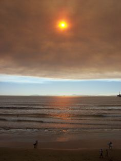 Smoke from the Freeway Complex Fire (2008) over the Pacific Ocean toward Catalina Island as seen from Pacific Coast Highway in Huntington Beach. This photo was taken at 1pm.