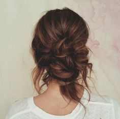 when i see all these messy updo wedding hairstyles it always makes me jealous i wish i could do something like that I absolutely love this messy updo wedding hairstyles so pretty! Loose Hairstyles, Pretty Hairstyles, Wedding Hairstyles, Updo Hairstyle, Wedding Updo, Quinceanera Hairstyles, Wedding Nails, Hipster Hairstyles, Latest Hairstyles
