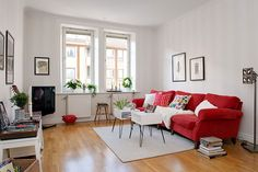 Bright, Youthful and Colorful Apartment in Gothenburg, Sweden