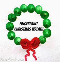 Cute Fingerprint Christmas Wreath Craft For Kids   SassyDealz.com