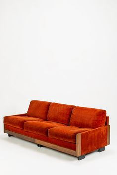 Tobia Scarpa; #920 Corduroy, Mahogany and Lacquered Wood Sofa for Cassina, c1965.