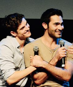 Daniel Sharman and Tyler Hoechlin at Werewolf Con in Brussels, on September 26th.