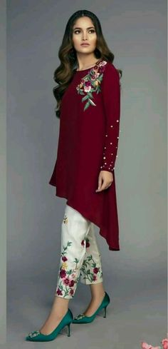 Most Updated WoMen Formal Dressing Pakistani Formal Dresses, Pakistani Dress Design, Pakistani Outfits, Indian Outfits, Designer Party Wear Dresses, Kurti Designs Party Wear, Mehndi, Moda India, Kurti Embroidery Design