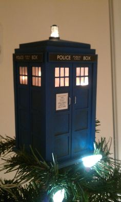 DIY TARDIS Tree Topper & Garland - THIS is my next project!!