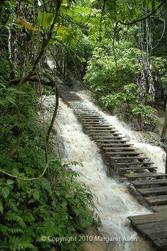 Montes Penh Camboya. Espero que mi hermano ve lugares como éste! Hermosa.