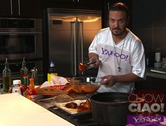 23% of Americans eat HOT WINGS on Super Bowl Sunday.  Try @Fabio Viviani's recipe this year!    Full Episode: http://yhoo.it/VM9lJ1  Text Recipe: http://yhoo.it/VjdlPx