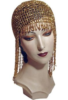 The Jazz Baby Flapper Fringe Party Cap – Gold Customers love our Jazz Baby Flapper Cap! Constructed on an elastic base, the cap molds easily to any head size or hair style. Makes your or Gatsby par Flapper Party, Flapper Style, 1920s Party, 1920s Theme, Gatsby Style, Great Gatsby Fashion, Great Gatsby Party, Harlem Nights Theme Party, Roaring 20s Party