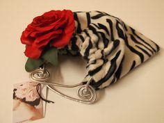 borsa pelliccia tigrata bianca e nera di sogni d'arte by adalgisa su DaWanda.com