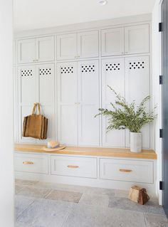 Farrow and Ball Purbeck Stone Soft Grey Mudroom Paint Color Farrow and Ball Purbeck Stone Farrow and Ball Purbeck Stone #FarrowandBallPurbeckStone #SoftGreyMudroom #PaintColor