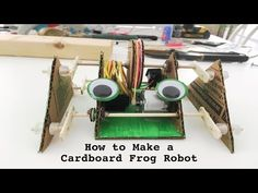 How to Make a Cardboard Frog Robot Mini Craft, Craft Stick Crafts, Crafts For Kids, Cardboard Robot, Robot Parts, Making A Model, Activity Days, Electronics Projects