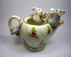 Teapot Mice by QuernusCrafts, via Flickr