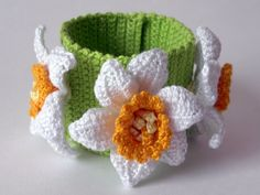 Flower Bracelet- can be used for my pen stand