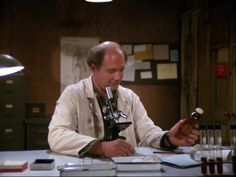 Mash Characters, Alan Alda Mash, David Ogden Stiers, Mash 4077, 1970s Tv Shows, Classic Comedies, My First Crush, Episode Guide, Tv Show Quotes