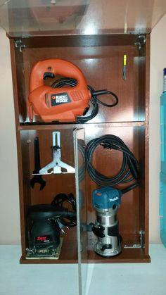 Como fazer um armário de ferramentas usando gavetas. http://oficinadoquintal.blogspot.com.br/2014/08/como-fazer-um-armario-de-ferramentas_6.html