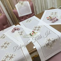 dantel & team& We painted the lace from Ağrı and prepared the salon team again. from 🌸⭐️🌸⭐️🌸⭐️🌸⭐️ # canvas Deutsch Jemand, der neu in Ih. Stylish Mens Fashion, Wedding Napkins, Crewel Embroidery, Pedi, Table Runners, Diy And Crafts, Decorative Boxes, Gift Wrapping, Model