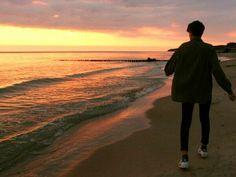 Series thả thính 'v')/ Korean Boys Ulzzang, Ulzzang Couple, Ulzzang Boy, High By The Beach, Korea Boy, Korean Couple, To Infinity And Beyond, Asian Boys, Beautiful Moments