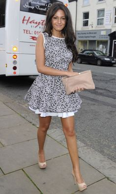 Michelle Keegan Teams Her Sweet Summer Dress With Nude Accessories For Ultimate Laid Back Glamour, 2010 Dress Outfits, Casual Dresses, Fashion Dresses, Summer Dresses, Nice Dresses, Michelle Keegan Style, American Dress, Celebs, Celebrities