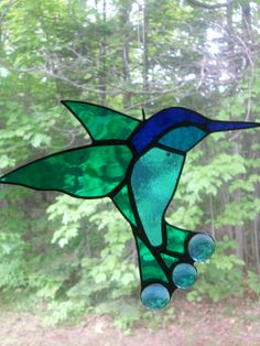 Another fairly simple hummingbird. We could fit a few with this level of detail into a dress.