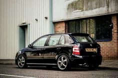 Fabia Vrs on Porsche wheels Porsche Wheels, Skoda Fabia, Car Car, Custom Cars, Black Cars, Vw, Compact, Lion, Motorcycles
