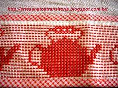 chaleiras no ponto oitinho Swedish Embroidery, Hand Work Embroidery, Diy Embroidery, Cross Stitch Embroidery, Cross Stitch Patterns, Chicken Scratch Patterns, Chicken Scratch Embroidery, Monks Cloth, Weaving Designs