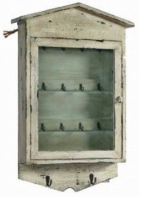 Caja de madera envejecida para llaves con perchero