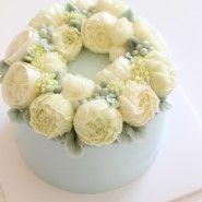 m y d e a r c a k e .c l a s s . 베이직 3,4주차 모습입니다.꽃이 7개가 올라가는 화려한 '블라썸 컵케익...
