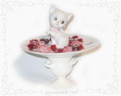 "Etagere: "" Cute Cat "" .... (wanna buy someting like this? contact me: Mondcatze@fantasymail.de or visit my shop:http://de.dawanda.com/shop/Mondcatze )"