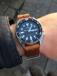 Seiko SKX013 on ZULUDIVER leather NATO strap