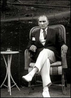 Mustafa Kemal Atatürk - the hero who saved the Turkish people from the ottoman empire. He is also founder of Republic of Turkey and was the first president. Persona, Turkish Army, Turkish People, The Turk, Great Leaders, Triumph Motorcycles, Ottoman Empire, World Leaders, Georgia