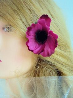 A chacun son style... Collection accessoires mode et mariage Pinces cheveux et broches pour toutes occasions Réalisées avec des fleurs artificielles en satin ou latex pour un effet naturel et réaliste En savoir plus sur http://www.artifleurs-fleurs-artificielles.com/boutique/fleurs-artificielles/pinces-cheveux/#QLVwGkCLudOy6PXt.99