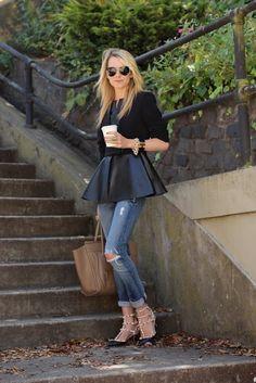Peplum Blouse With Distressed Jeans 2017 Street Style Look Fashion, Autumn Fashion, Womens Fashion, Fashion Trends, Fashion Clothes, Fashion Models, Latest Fashion, Fashion Design, Style Glam