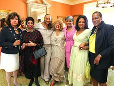 Oprah's Legends Luncheon Guests Arrive | Diahann Carroll, Leyontine Price, Susan Taylor, Roberta Flack, Nancy Wilson Oprah and Naomi Sims.