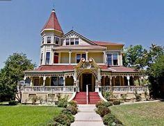 The Pinney House 1887 Victorian: Queen Anne Sierra Madre, California