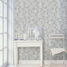 A beautiful leaf wallpaper with a contemporary Calico design from Crown. Crown wallpaper in stock for next day delivery at Go Wallpaper UK. Neutral Wallpaper, Plain Wallpaper, Damask Wallpaper, Paper Wallpaper, Vinyl Wallpaper, Wallpaper Roll, Peel And Stick Wallpaper, Designer Wallpaper, Wallpaper Borders
