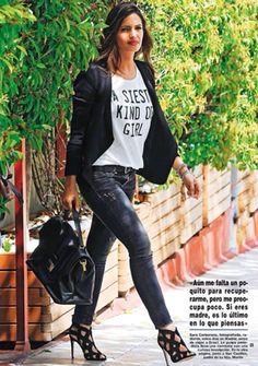 A siesta kind of girl 💟 ja la tenim! Rock Outfits, Trendy Outfits, Fashion Outfits, Rocker Style, Rocker Chic, Looks Sara Carbonero, Look Boho Chic, Star Fashion, Womens Fashion