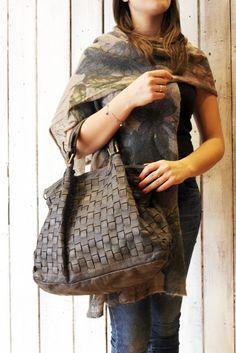 """Handmade woven leather bag """"INTRECCIATO 47"""" di LaSellerieLimited su Etsy"""