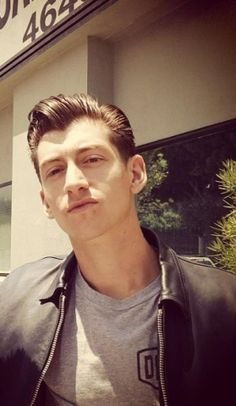 The sex god that is Alex Turner